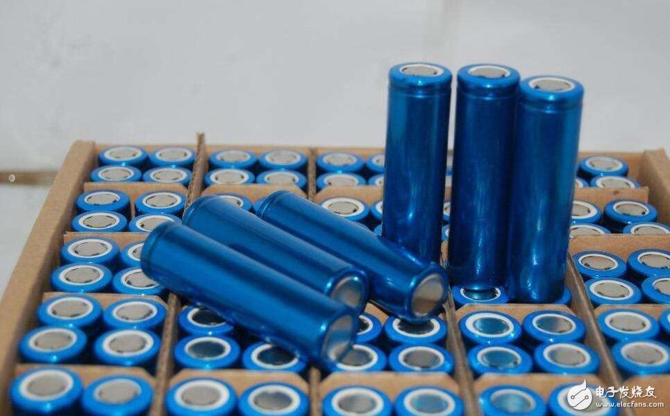 看完这三点就知道汽车电瓶为什么不用锂电池