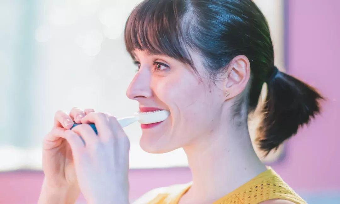 亚博CES 2019上寻找的小宝物,奇特的牙刷、智能酸奶机和腕式可穿戴设备