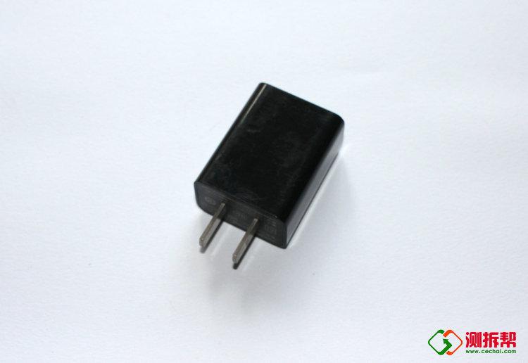 小米MDY-03-EC快速充电头拆解 内部做工怎么样