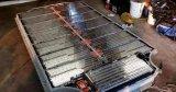 分析圆柱、方形、软包三种动力锂电池的外壳结构。