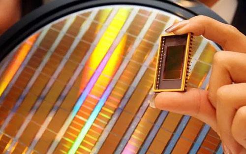 2019年全球Flash支出达260亿美元,连续3年高于DRAM与晶圆代工支出