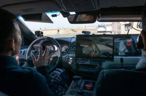 在四轮自动驾驶上屡屡受挫的Uber 两轮自动驾驶...