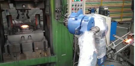 生产车间的装配工—工业机器人