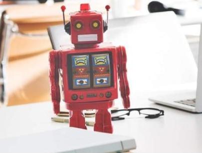 MIT研究出小E机器人 与植物有一种共生关系