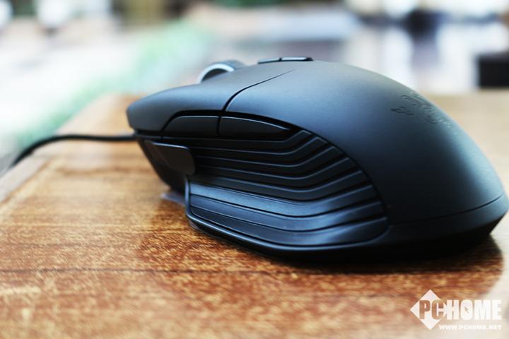雷蛇巴塞利斯蛇游戏鼠标评测 399的超高性价比
