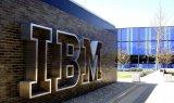 IBM在2018年恢复了营收和利润双增长,全年营收同比增长1%至796亿美元