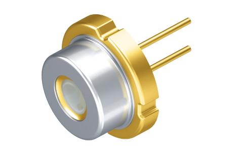 PLPT9 450D_E A01激光二极管扩充汽车相关产品组合及改善夜间行车安全性