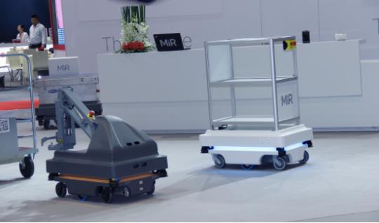 AGV机器人提升制造灵活性 工厂走向智能制造模式