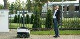 25辆无人车进校园 15分钟外卖到宿舍它们什么来头?