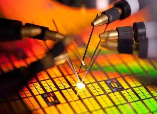 IBM宣布在纽约投资20亿美元建立一个新的IBMAI硬件中心 旨在开发下一代AI硬件