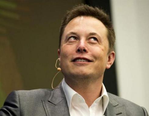 马斯克放狂言 称特斯拉年底将拥有运营无人驾驶汽车所需要的全部技术