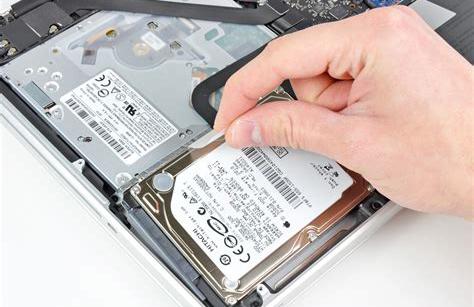 存储市场高性能SSD快速增长,角色扮演会否替换HDD?