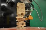 MIT研制的新机器人的挑战叠叠乐游戏