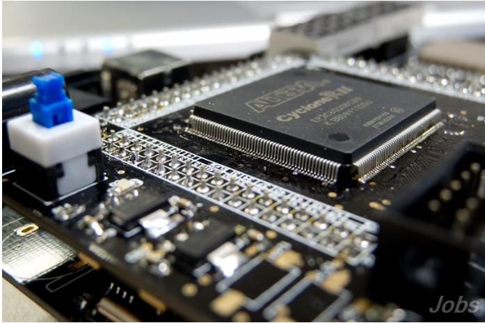 Xilinx的超大规模FPGA产品选择指南免费下载
