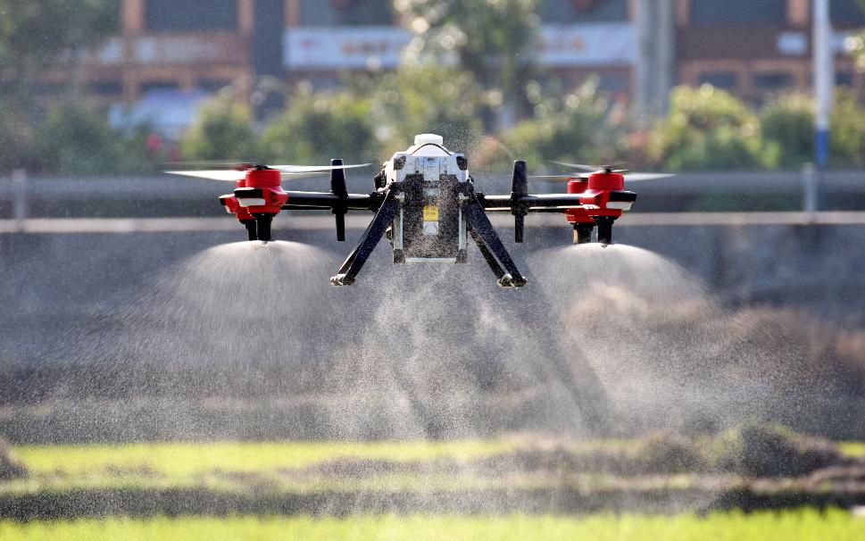 植保无人机飞防服务的巨大行业潜力!
