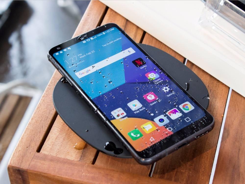 移动电源厂商发布智能手机,电池容量达到18000mAh!