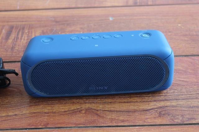 索尼蓝牙音箱SRS-XB30评测 既可以听音乐又能当移动电源