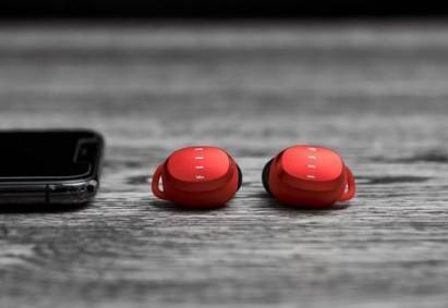 FIIL真无线蓝牙耳机发布 全球智能手表市场的未来展现