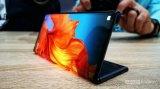 三星Display已经向苹果供应了一些可折叠屏的样品