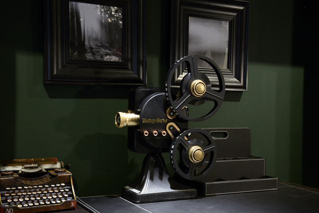 坚果1895电影机评测 机械式的操作让其成为更加的适合把玩艺术品