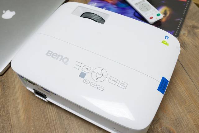 明基E610投影机评测 为办公提供了很大的便利
