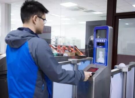 3D人脸识别票证闸机即将面世 3D视觉在通行场景...