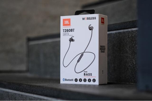 JBLT280BT无线蓝牙耳机评测 观时尚有质感佩戴轻盈舒适