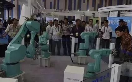 面临失业?富士康全国部署5万台机器人,计划一年内...