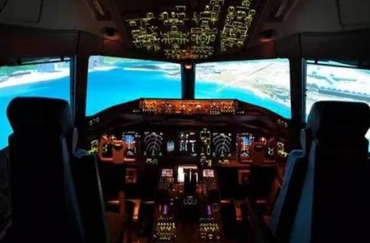 飞机自动驾驶系统已经相对成熟 但安全性始终需要时...