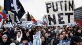 俄罗斯的互联网将与世界其他地区隔离,数万人在莫斯科集会抗议