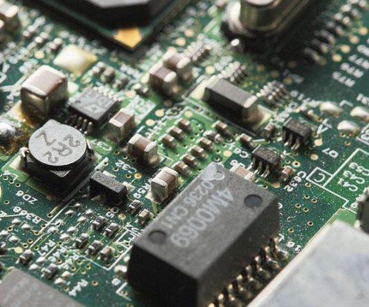 粤芯半导体设备进厂 将成为国内本土首条量产的12英寸特色工艺产线