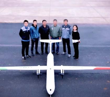 我国首架商飞新能源验证机灵雀H在郑州上街机场正式试飞成功