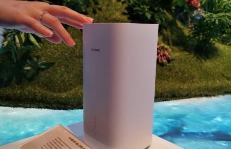 数据显示目前已有14家厂商发布了总计22款5G用户终端设备