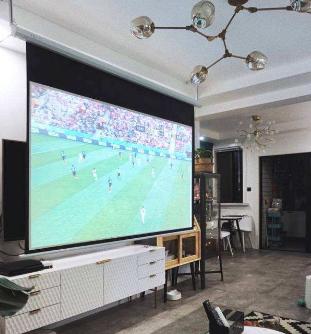 无屏电视使用灵活 在一定程度上能够弥补传统电视的不足