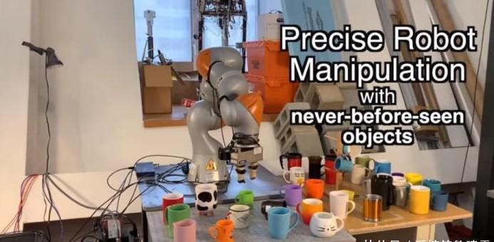 MIT研究出自学习机器人系统 可拾取或放下从未遇...