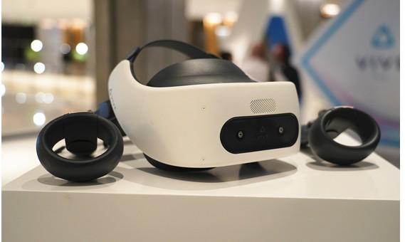 5G+VR的自由世界:HTC正式发布Vive F...
