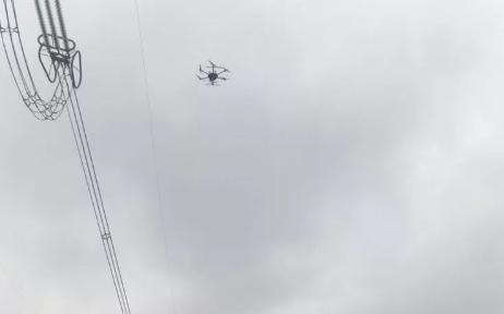 无人机机载红外设备完成800千伏新东直流线7基杆塔测温专项作业