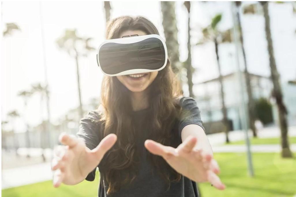 虚拟营销市场竞争激烈,加快了AR+VR商业场景落地速度_涡轮发动机