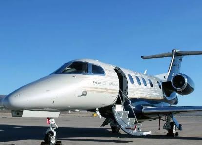 巴航工业飞鸿300系列飞机的交付为运营商们带来了...