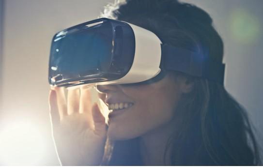 如果想要高分辨率的VR,没有强大的PC来运行,那...