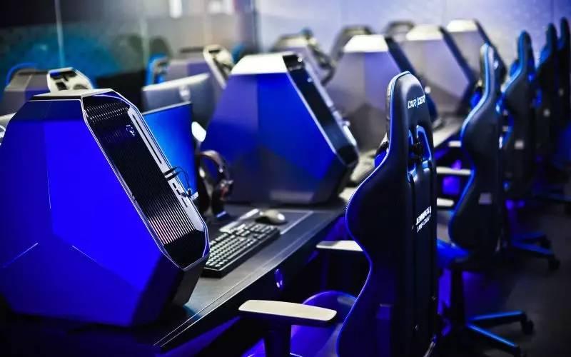 电竞笔电显示屏自2017年起到2020年的市场占有率逐年提升