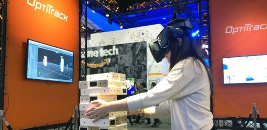 VR动捕公司演示追踪技术,实现对数百个目标的实时...