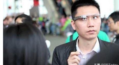 """由""""视""""转为""""听?#20445;?#21326;为能否救活智能眼镜?"""