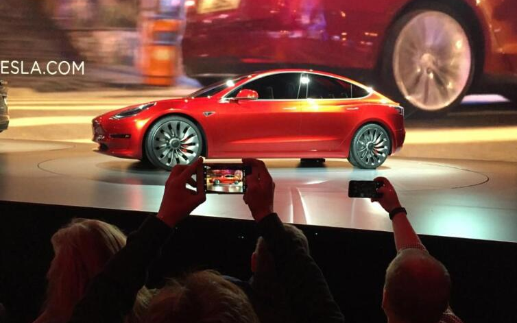 特斯拉Model3首次战胜奔驰宝马 成为欧洲最畅...