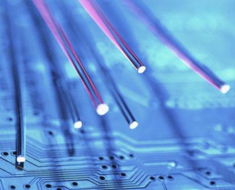 美国运营商正在不断投资光纤网络来提升市场地位