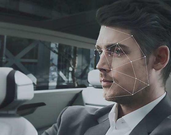 人脸识别系统需具备活体检测功能 以判断提交的人脸...