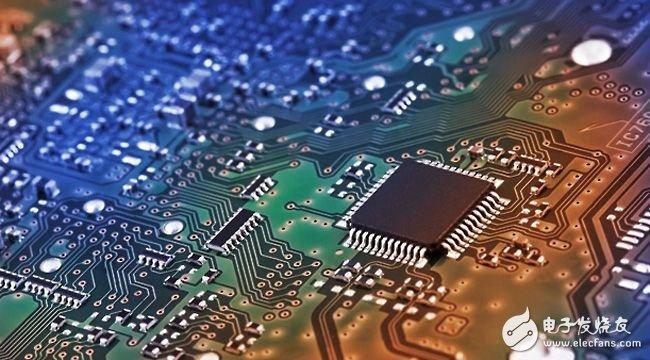 业内预测 NAND闪存价格走低有利于 NVMe SSD发展