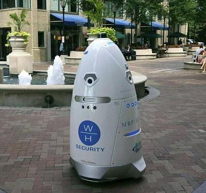 智慧社區建設無法繞開安防 安保機器人是智慧社區安全的首道防線