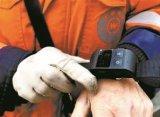 环卫工被要求佩戴手环,长时间原地不动会提示