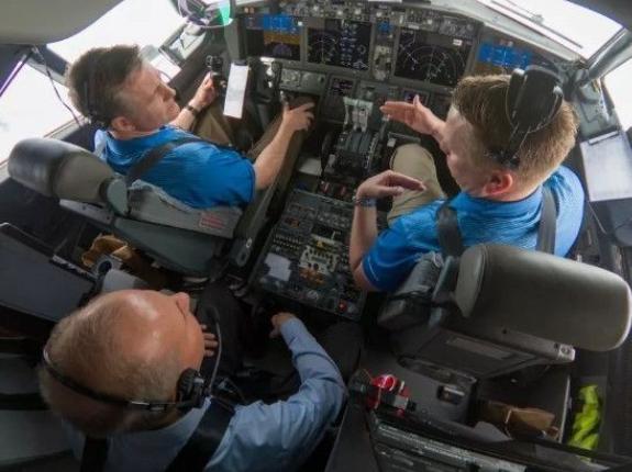 波音已经对经软件升级后的737MAX进行了96次...